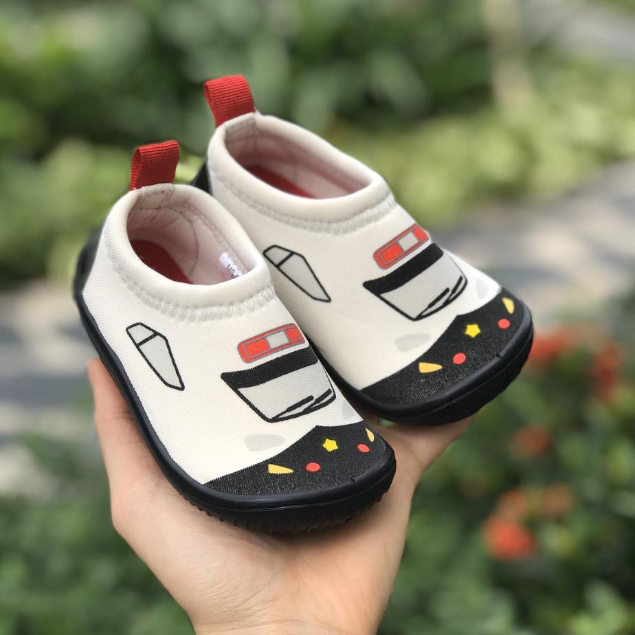 Giày Lười Trắng Tàu Mũi Đen Cho Bé
