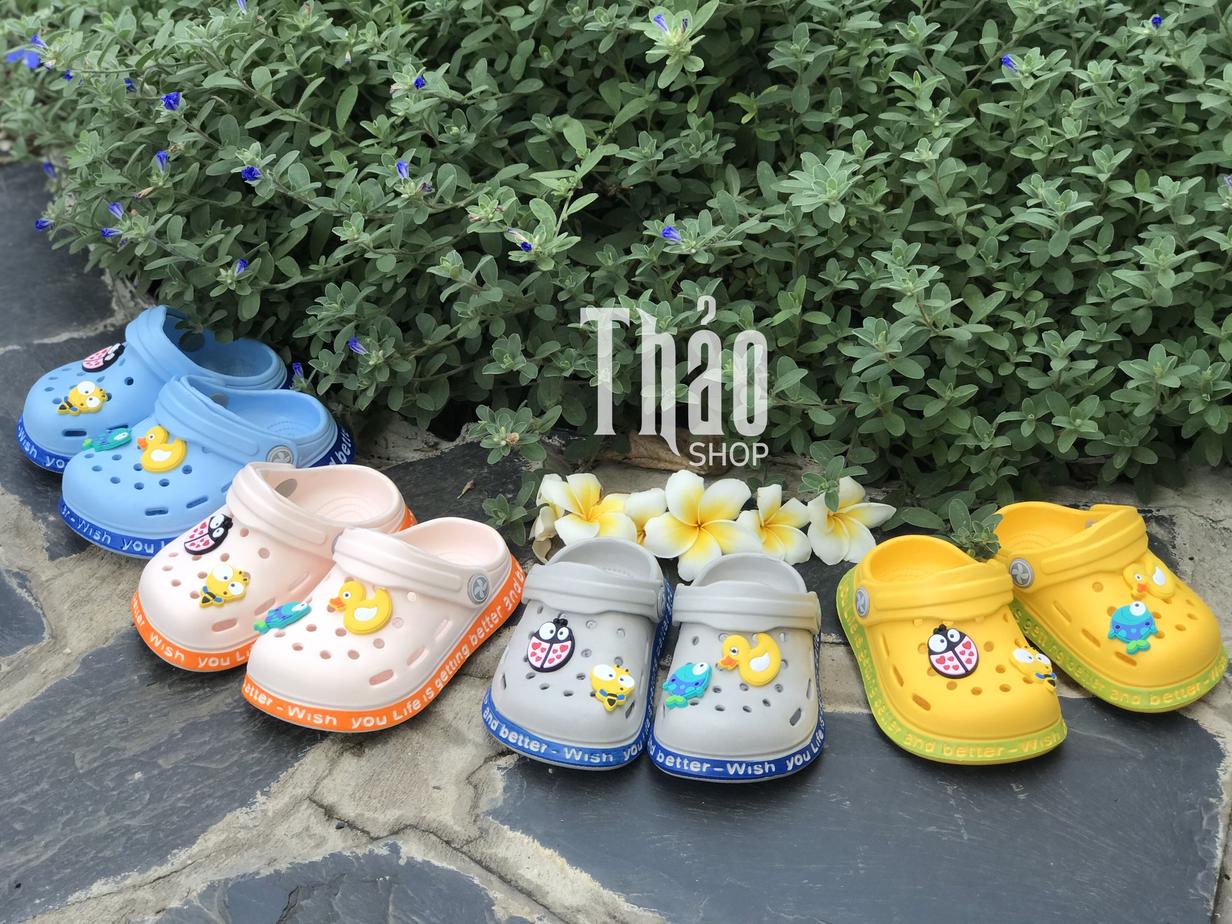 Thảo Shop cung cấp nhiều mẫu giày dép cực kỳ ấn tượng