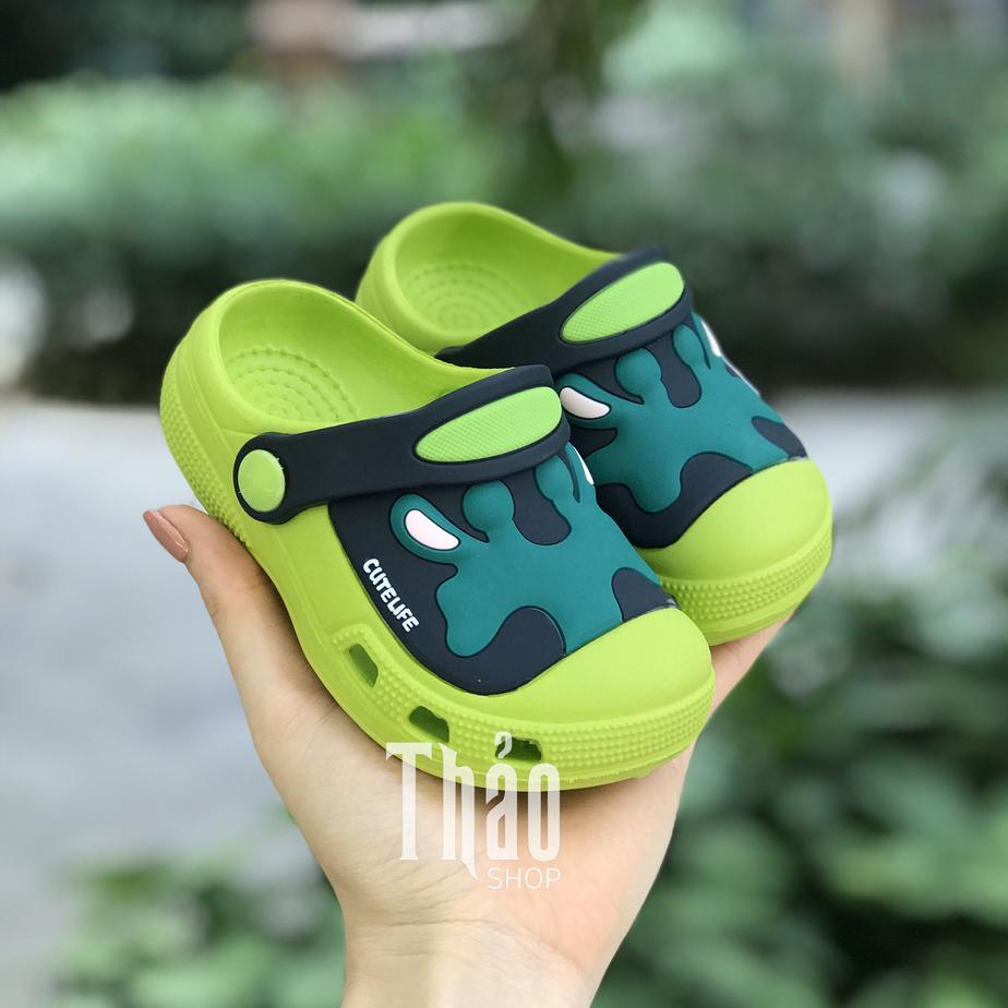 Các mẫu sandal sục được các bé yêu thích
