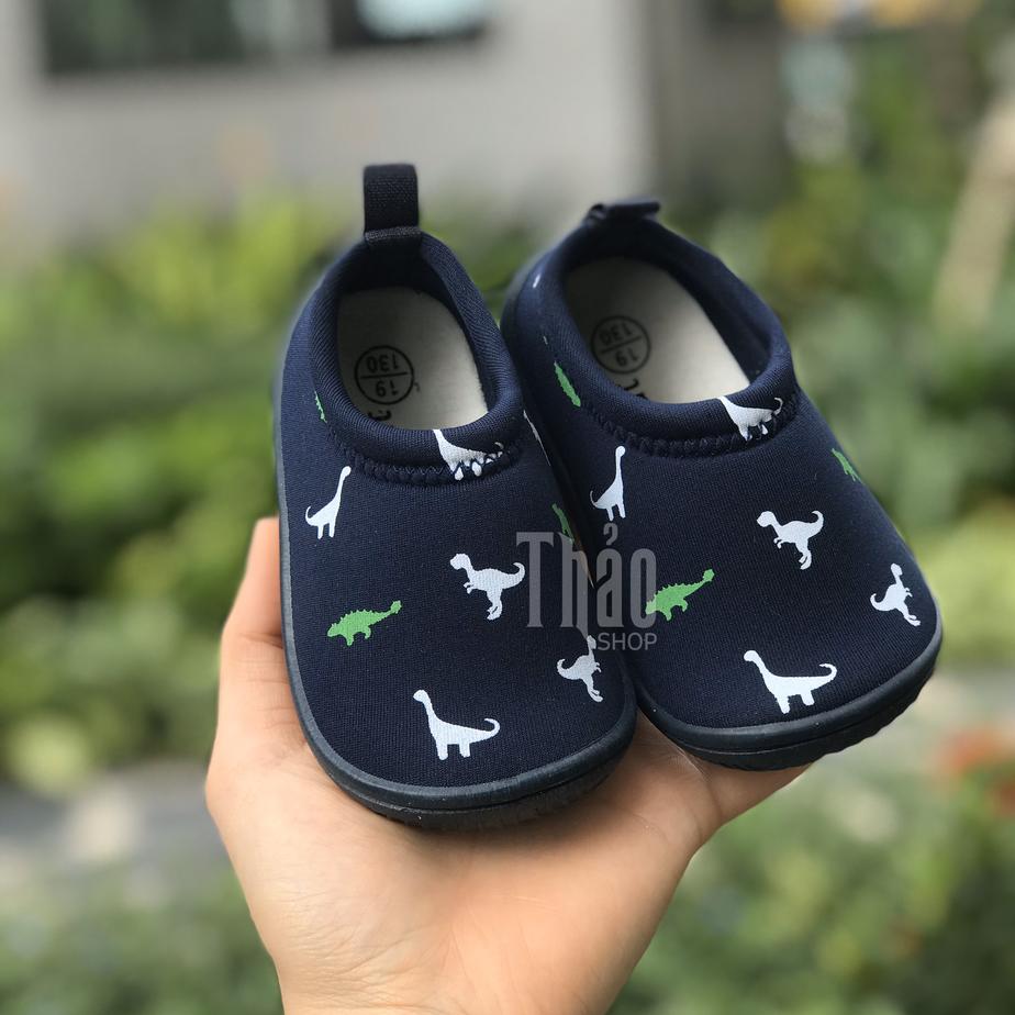 Mua giày online cho bé ngày càng được nhiều mẹ lựa chọn