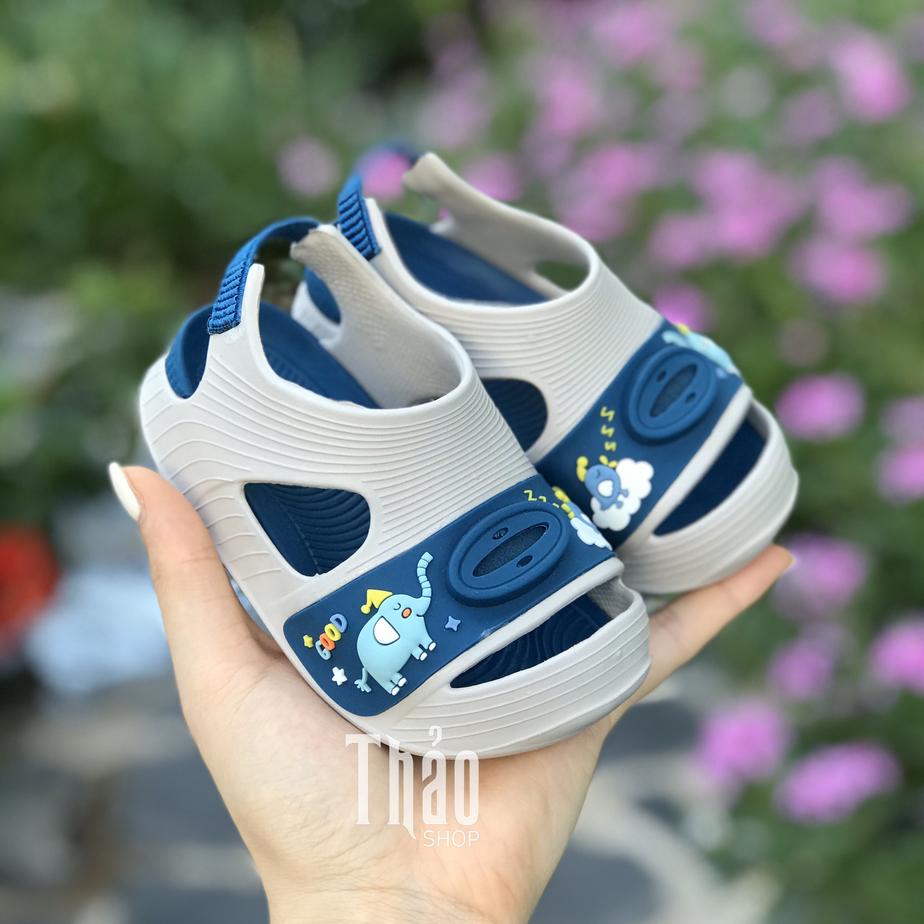 Các mẫu sandal cho bé yêu