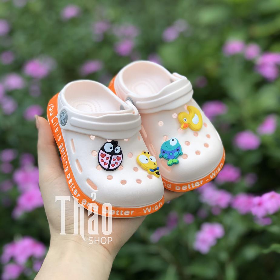 Sandal sục xốp cho bé gái