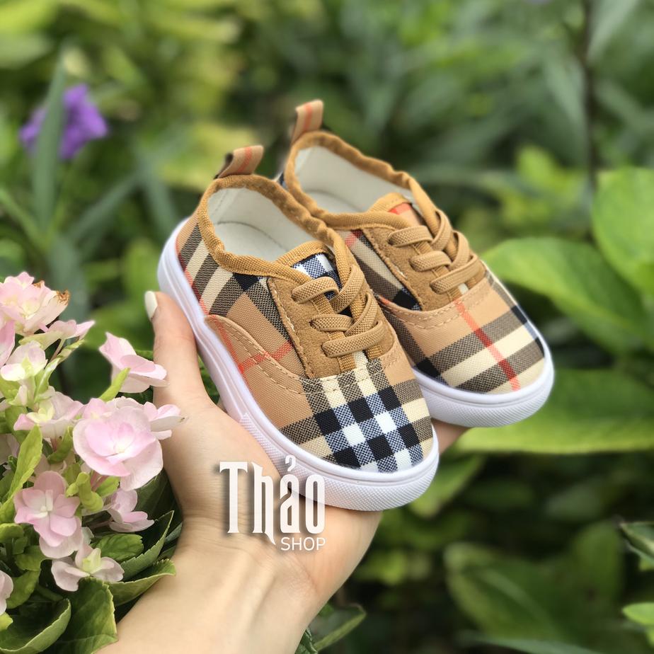 Giaytreem.vn - Shop bán giày trẻ em xuất khẩu uy tín, chất lượng