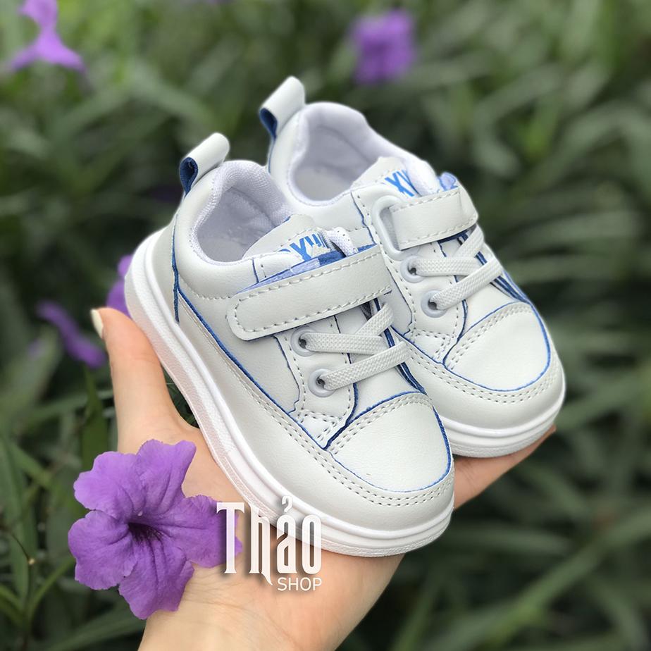 Cách chọn giày trẻ em xuất khẩu đúng chuẩn cho mẹ