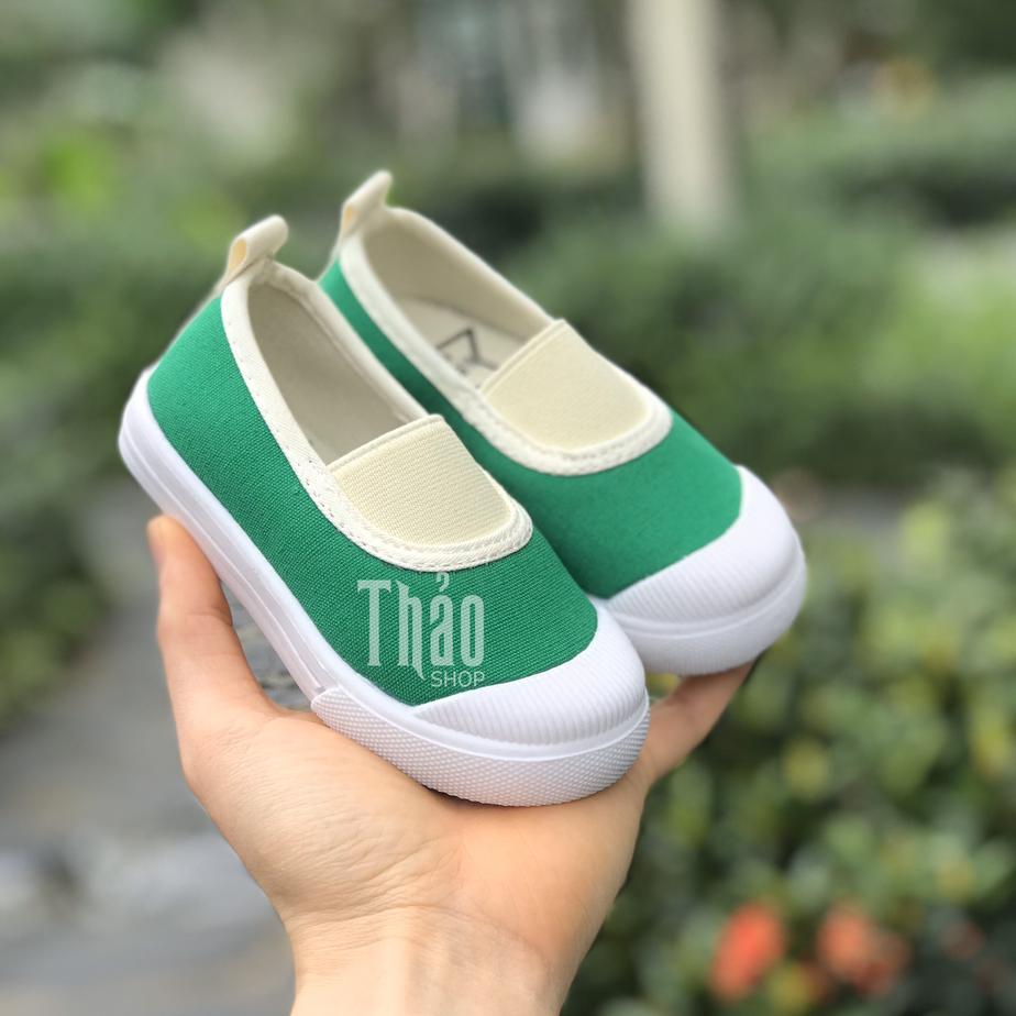 Giày slip on cho bé
