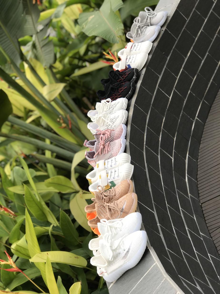 Giày dép đóng vai trò quan trọng với các bé